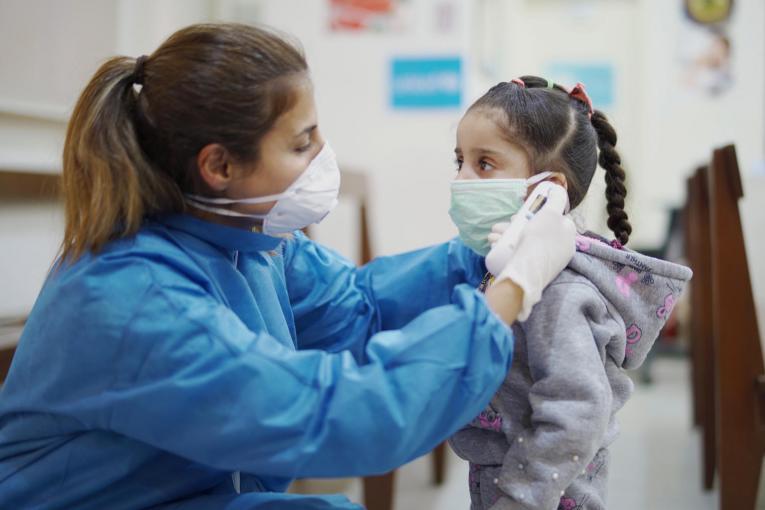 UNICEF furnizează resurse vitale în peste 100 de țări ca răspuns la pandemia de COVID-19, în ciuda perturbărilor