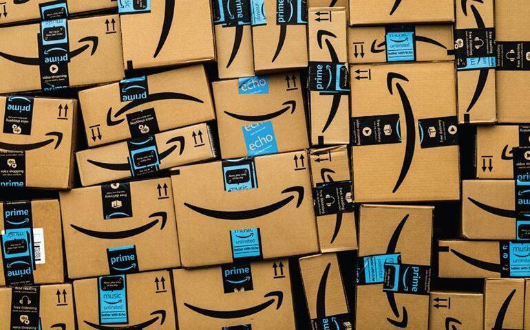Amazon, amendată de UE cu aproape 900 de milioane de dolari pentru încălcarea GDPR