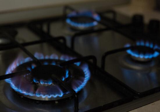 Preț corect la gaze. Ce faci ca să nu îți crească factura cu peste 160% de la 1 iulie (Video)