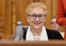 Renate Weber spune că toate pensiile speciale pot fi desființate, mai puțin ale magistraților: Vai de mine! Mi-au înroșit telefonul