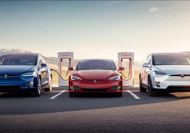 Elon Musk spune că funcţia de pilot automat nu era activată la Tesla implicată în accidentul mortal din Texas
