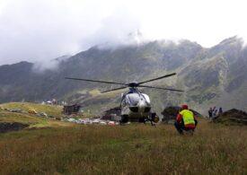 Turist accidentat în munți, după ce s-a speriat de urs