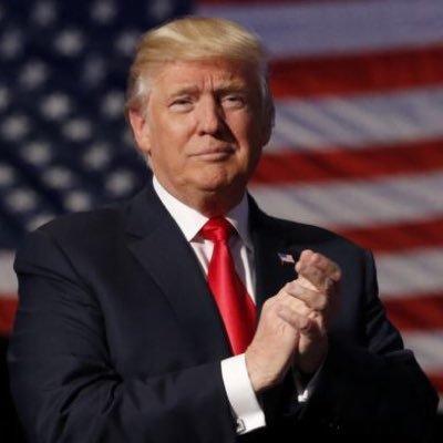 Şase membri din personalul lui Trump au COVID-19, dar el cere încetinirea ritmului de testare
