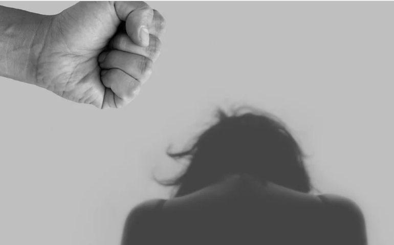 Victimele abuzurilor sexuale sunt victimele societății