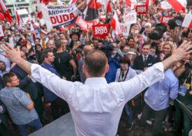 """Alegeri cu rezultat strâns în Polonia. Primarul Varşoviei speră să-l învingă pe Duda în turul doi: """"Ne-am săturat!"""""""