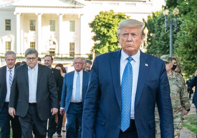 Încă doi membri din echipa de campanie a lui Trump au COVID-19
