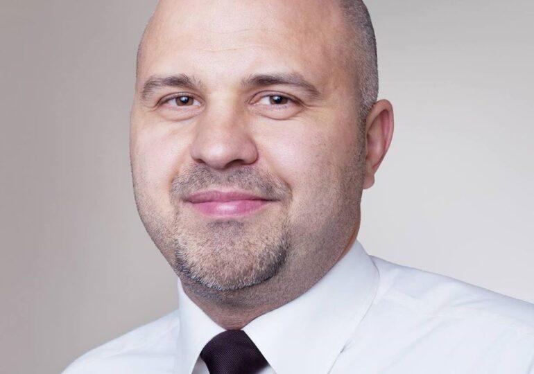 Ungureanu (USR): Rata de refuz e absurdă. 50% dintre profesori și 40% dintre cadrele medicale. Mi se pare absolut înfiorător