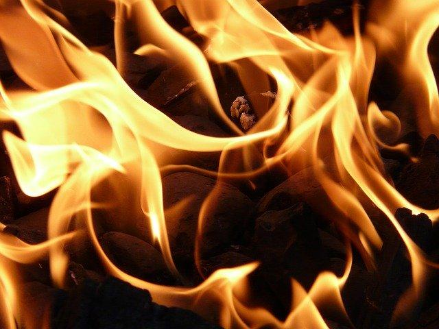 O mare corporație americană recunoaște 85 de capete de acuzare în dosarul incendiilor din California