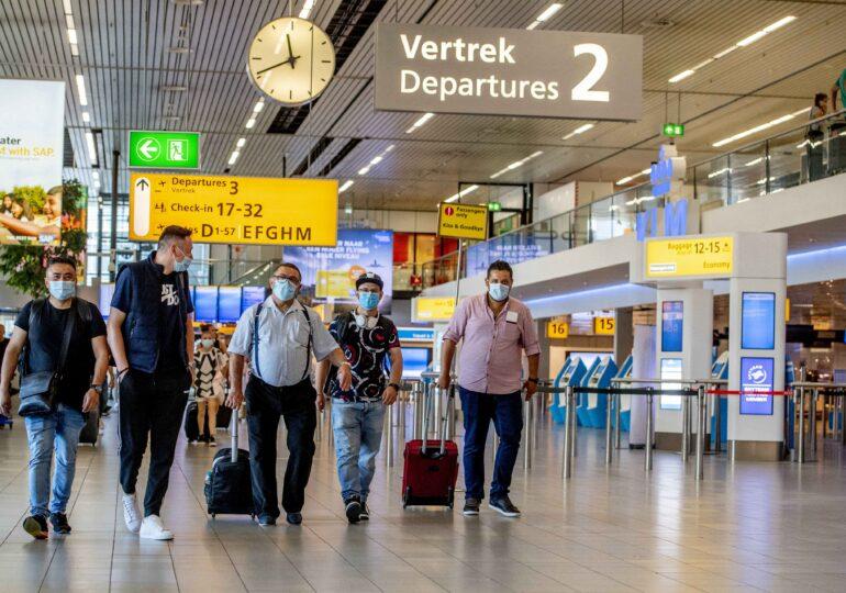 O cursă specială Tarom a repatriat 77 de români blocați în Regatul Ţărilor de Jos
