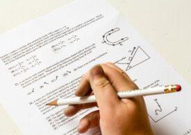 Tezele ar putea fi eliminate în acest an școlar. Dacă se vor da, elevii din scenariul roșu pot trimite eseul online – oficial din Educație