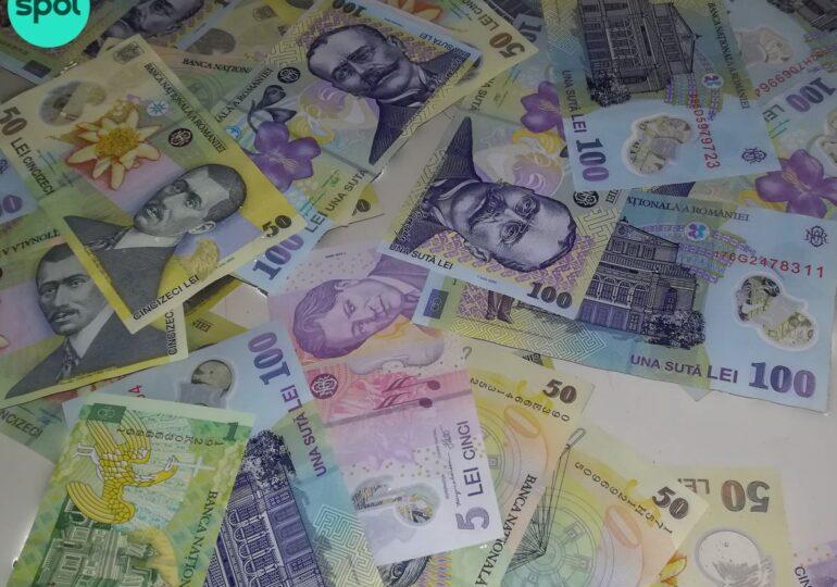Analiştii CFA România anticipează un deficit bugetar de 7,4% în 2021 și o depreciere a leului