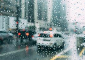 Cum să conduci pe timp de ploaie: 5 sfaturi utile
