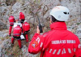 O turistă a căzut într-o prăpastie din Bucegi UPDATE Salvatorii au ajuns la ea, dar fără elicopter