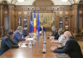 Iohannis a chemat miniștrii la Cotroceni. Tema: Cum începe școala?