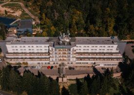 Turist în România: Investiție de 350.000 de euro într-un hotel din Băile Tușnad, care arată acum ca în Elveția