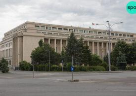Guvernul a sesizat CCR privind rectificarea bugetară adoptată de Parlament, care prevede creşterea pensiilor cu 40%
