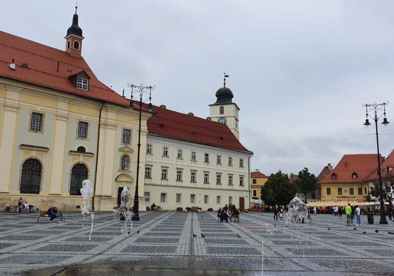 Sibiul a intrat de azi în carantină. Deși i s-a cerut demisia, directorul Spitalului de Urgenţă a rămas în funcție