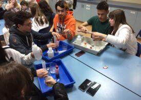 Doctorii de viitor își încep cariera în Liceul Laude-Reut