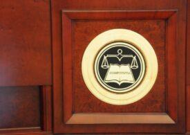 USR şi PNL au atacat la Curtea Constituţională noua lege care îi taie prerogativele lui Iohannis la Consiliul Concurenței