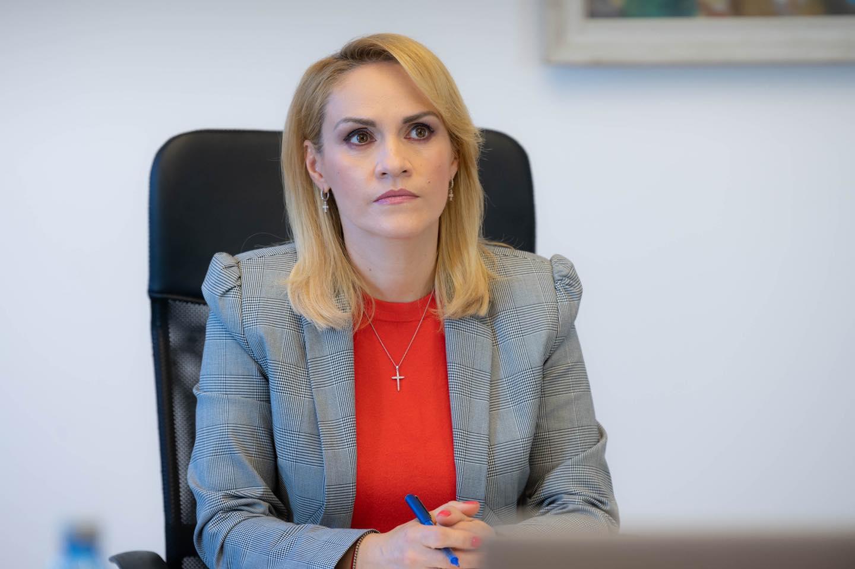 Firea: Alte forțe îmi transmit că ar fi mai bine să preiau președinția PSD, apoi să devin premier. Sunt amenințată, sunt intimidată, sunt filată!