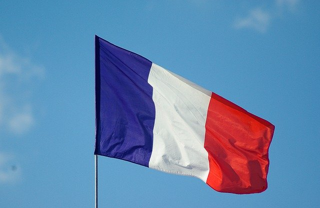 Cecenul care l-a decapitat pe profesorul francez beneficia de statutul de refugiat