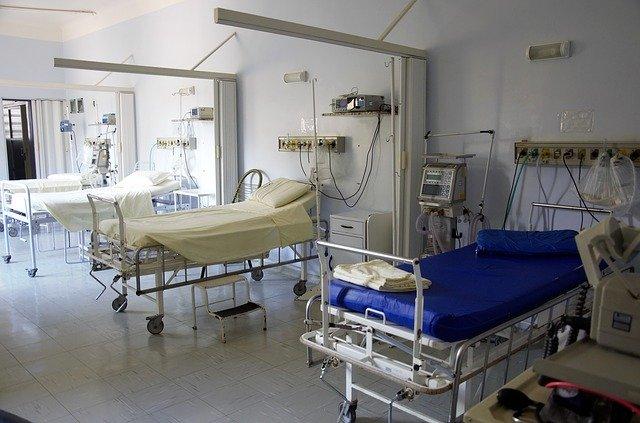 Efectele deciziei CCR: Sute de persoane infectate cu noul coronavirus s-au externat și mii de oameni au părăsit centrele de carantină și izolare
