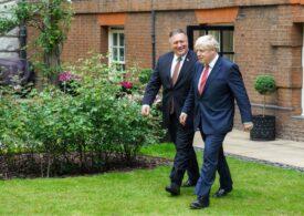 Mike Pompeo efectuează o vizită la Londra pe fondul tensiunilor cu Beijingul: China spune că britanicii s-au lăsat păcăliți de americani