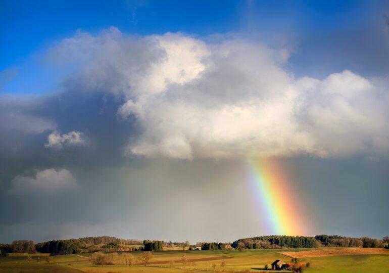 Meteo: Weekend cu ploi și soare