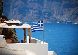 Turiștii așteaptă câte 4 ore să intre în Grecia cu mașina. Coloana are 6 kilometri