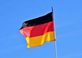 Aproape o mie de persoane au protestat în Germania față de purtarea obligatorie a măştii