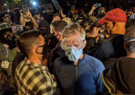 Primar democrat stropit cu gaze lacrimogene de agenţi federali trimişi de Trump: E un război urban