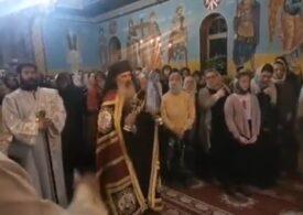 Poliția îl va amenda pe preotul care a organizat slujba din Suceava, unde sute de oameni s-au bulucit fără mască. Arhiepiscopul Teodosie scapă?