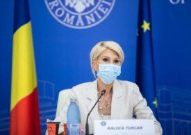 Raluca Turcan spune că se exagerează cu accidentul lui Bode și îl scuză pe ministru: Nici măcar nu ştia în ce regim se deplasa maşina pentru că dormea
