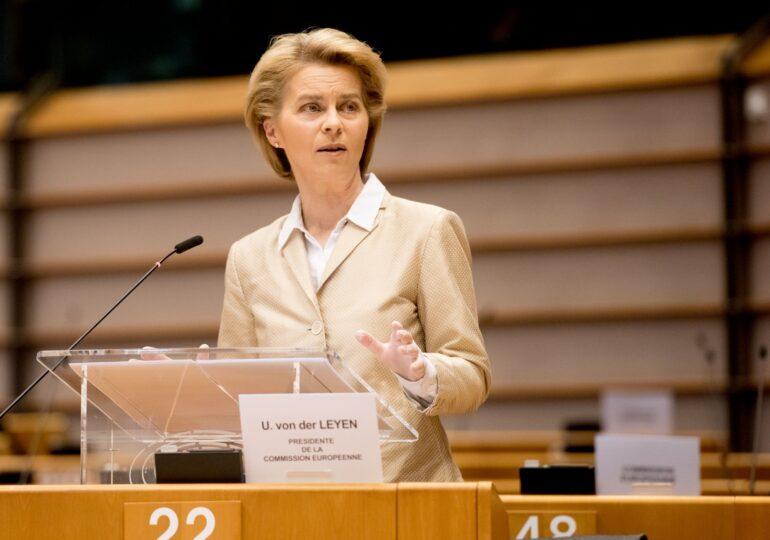UE ar putea da undă verde în decembrie vaccinurilor Moderna şi Pfizer, anunță Ursula von der Leyen