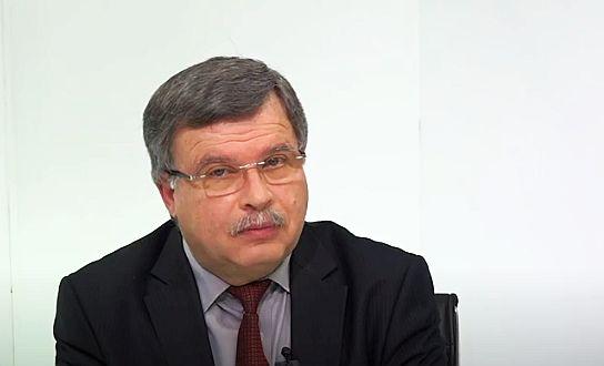 Bolnavii mor acasă cu zile, iar partidele se joacă de-a politica. Pregătim sesizări, împreună cu avocații - Interviu cu Vasile Barbu
