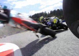 Accidente catastrofale în Austria la clasele Moto2 și MotoGP. Valentino Rossi, aproape de tragedie (Video)