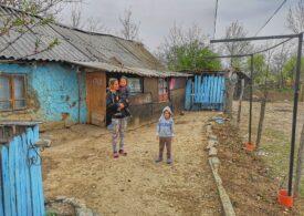 Școala online? Copiii săraci din satele României n-au nici de mâncare în timpul pandemiei