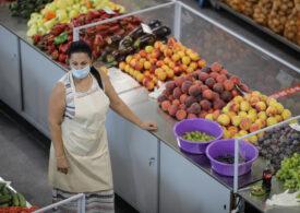 OMS nu crede că noul coronavirus se transmite prin alimente: Oamenii nu trebuie să se teamă de hrană, nici de ambalaje