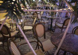 Terasele s-au închis la 23:00, în Centrul Vechi și pe litoral. Și angajații, și clienții sunt nemulțumiți (Foto)