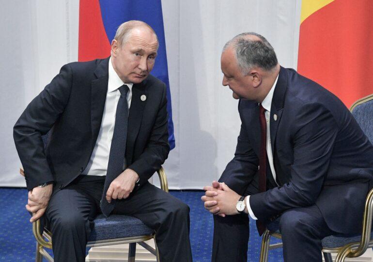 Igor Dodon are încredere în vaccinul lui Putin. A cerut să fie livrat în Republica Moldova