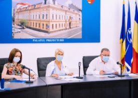 Vicepremierul Raluca Turcan: Este absolut imposibil ca Guvernul să asigure măşti pentru toţi copiii și profesorii / Reacţia asociaţiilor de elevi