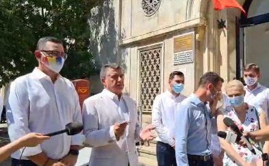 Omul lui Ponta și-a depus candidatura la Capitală cu săgeți îndreptate spre Gabriela Firea și Nicușor Dan