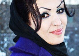 Prima femeie regizor din Afganistan a fost împuşcată pe stradă