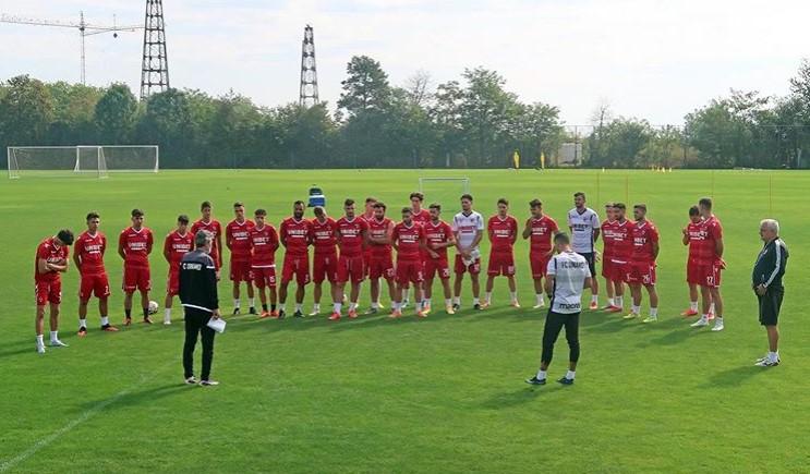 Dezastru la Dinamo: Jucătorii se gândesc la retrogradare, angajații și medicul nu mai vor să vină la serviciu
