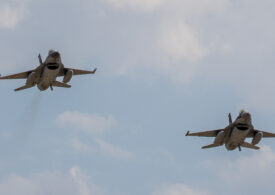 Două aeronave de tip F-16 Fighting Falcon, din lotul de cinci, au sosit în ţară (Foto & Video)