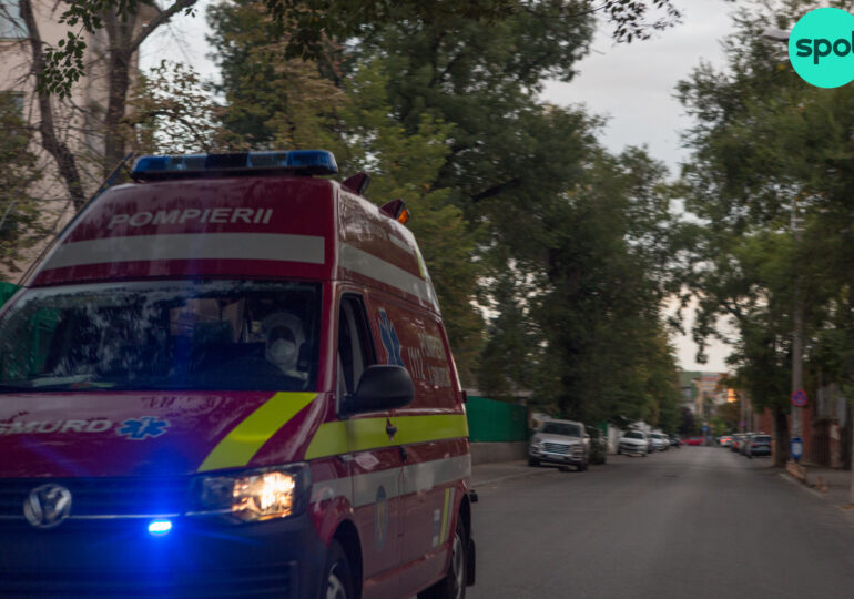 """Numărul solicitărilor la Ambulanța București a crescut """"exploziv"""": În 25 de zile au fost transportate aproape 5.500 de persoane cu semne de Covid"""