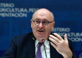 Comisarul european criticat pentru că a încălcat flagrant regulile anticovid și-a dat demisia