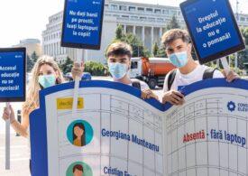 Protest al elevilor în fața Guvernului: Vrem să știm cum începe școala