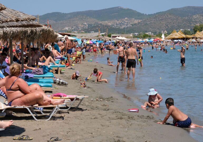 Vacanţă în Grecia: Noi reguli pentru restaurante, baruri şi spaţii de divertisment