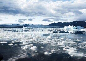 Banchiza de gheaţă care înconjoară Antarctica riscă să se fărâmiţeze